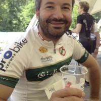Der Obmann genoss sein Bier nach dem Rennen